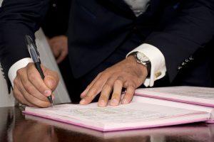 Sprzedaż - podpisywanie umów